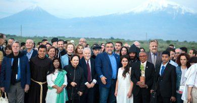 111 personnalités du monde devenues ambassadeurs de bonne volonté du Forum Aurora